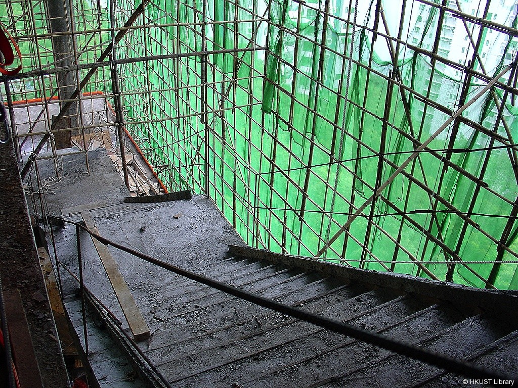lg1 - stairwell and view